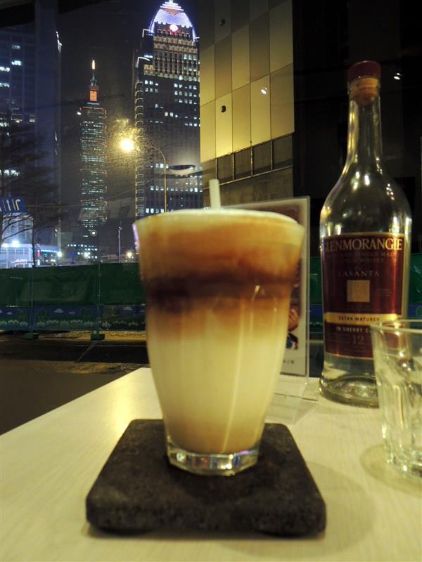 We & Me Cafe 049.jpg