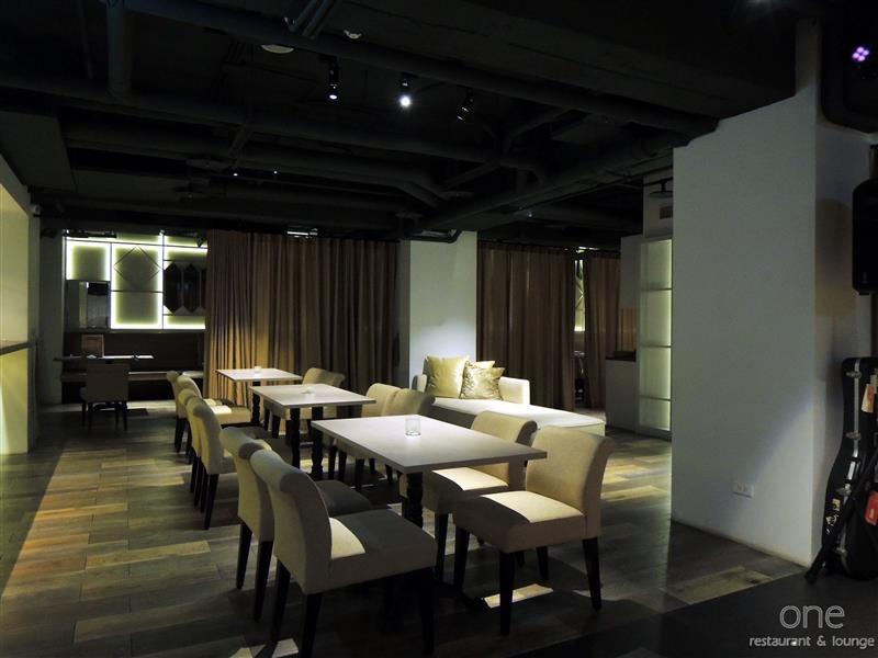 One Restaurant & Lounge 010.jpg