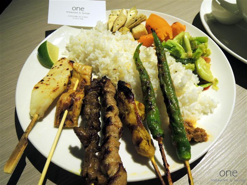 One Restaurant & Lounge 031.jpg
