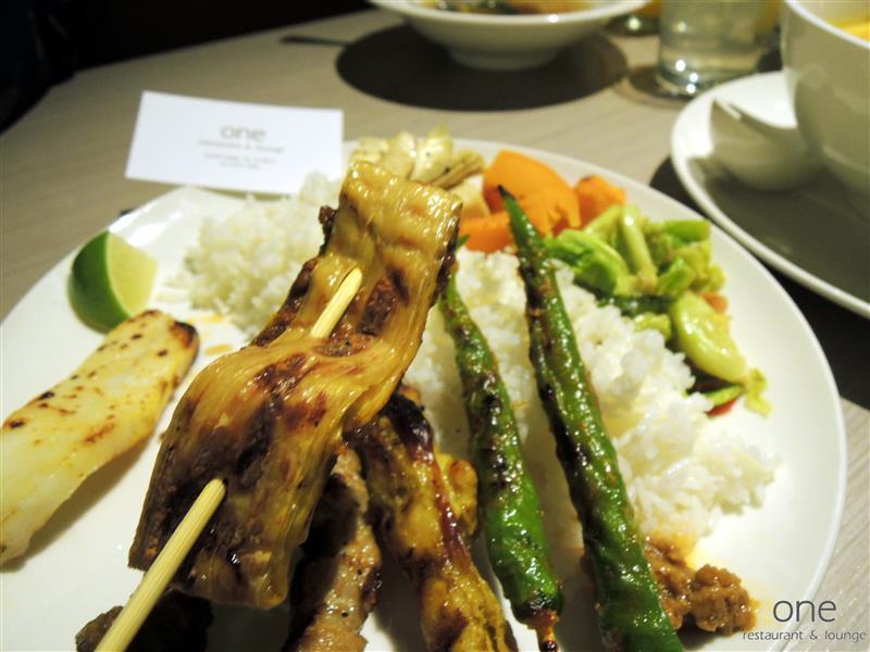 One Restaurant & Lounge 033.jpg