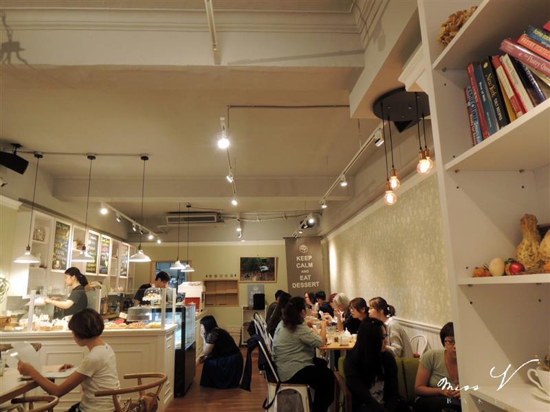 Miss V Bakery 006.jpg