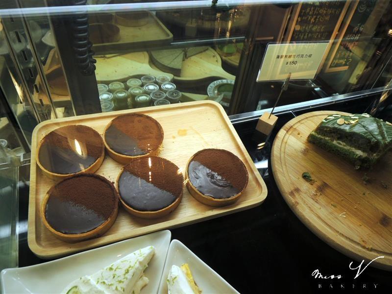 Miss V Bakery 019.jpg