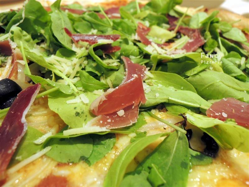 Fancy pizzeria 038.jpg