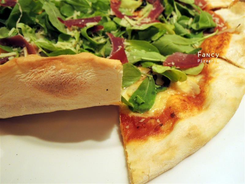Fancy pizzeria 039.jpg