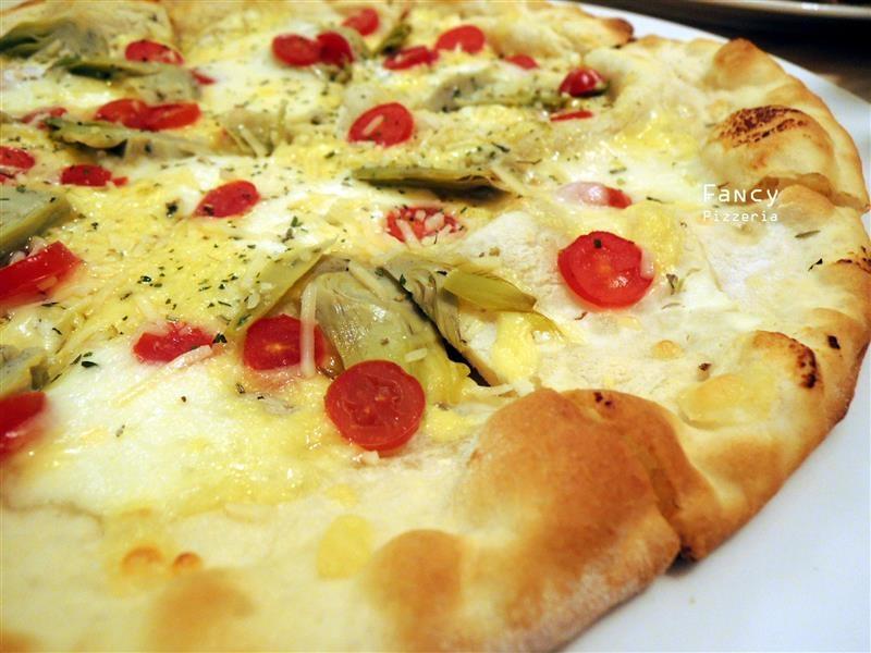 Fancy pizzeria 050.jpg