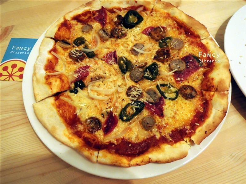 Fancy pizzeria 057.jpg