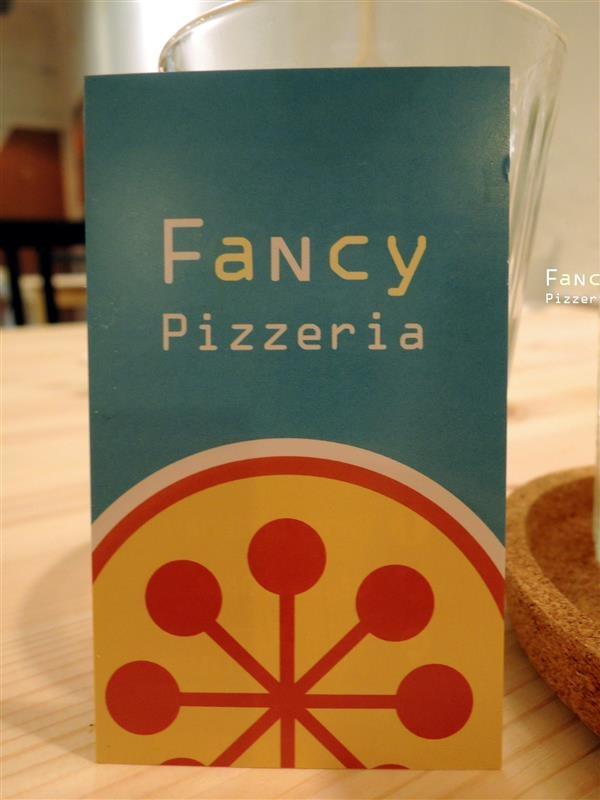 Fancy pizzeria 062.jpg