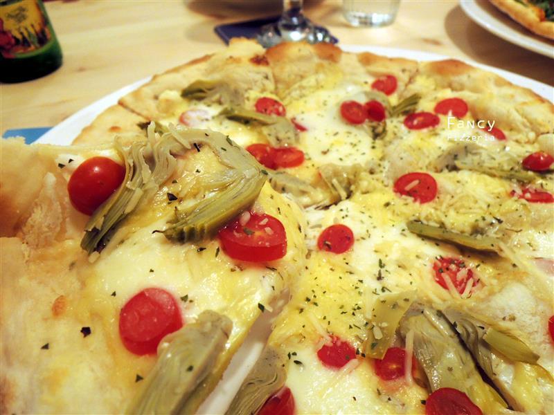 Fancy pizzeria 072.jpg