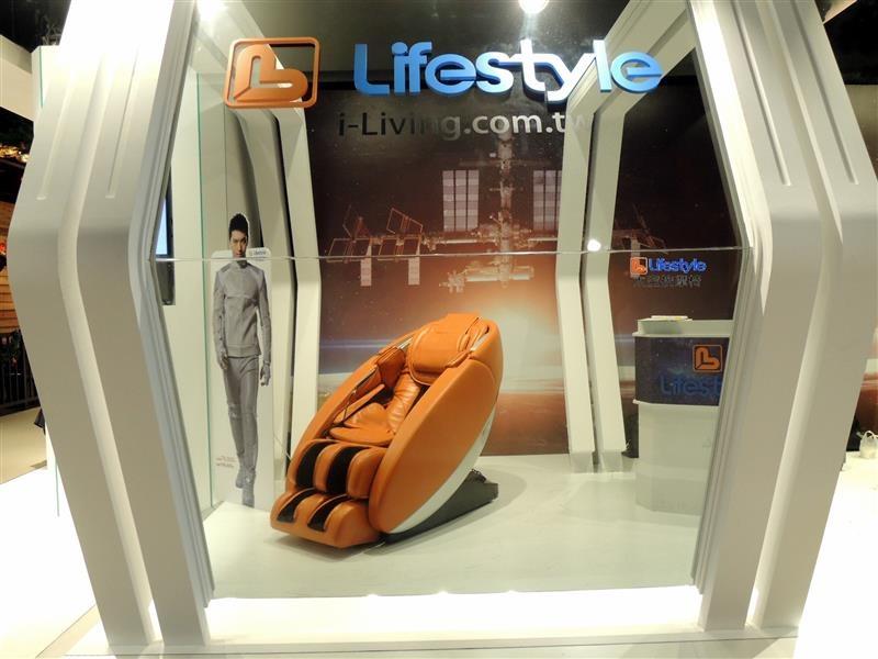 Lifestyle 太空按摩椅 003.jpg