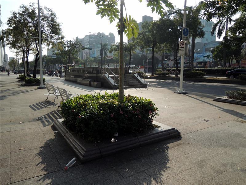 Green World Hotel ZhongHua 洛碁中華大飯店 006.jpg
