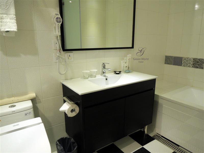 Green World Hotel ZhongHua 洛碁中華大飯店 030.jpg