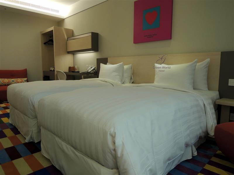 Green World Hotel ZhongHua 洛碁中華大飯店 049.jpg