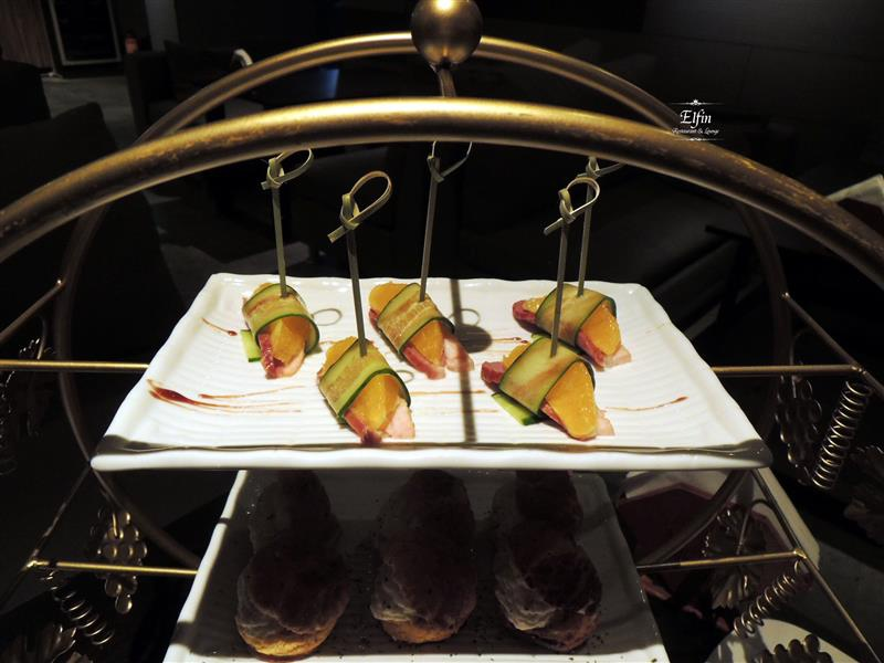 Elfin Restaurant & Lounge 029.jpg
