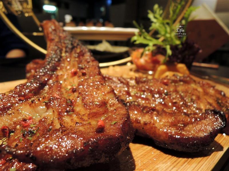 Elfin Restaurant & Lounge 063.jpg