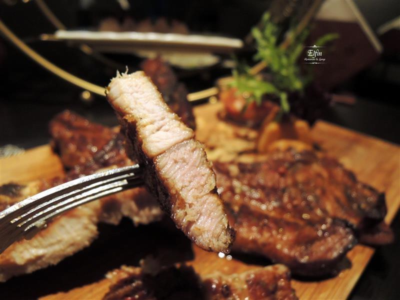 Elfin Restaurant & Lounge 065.jpg