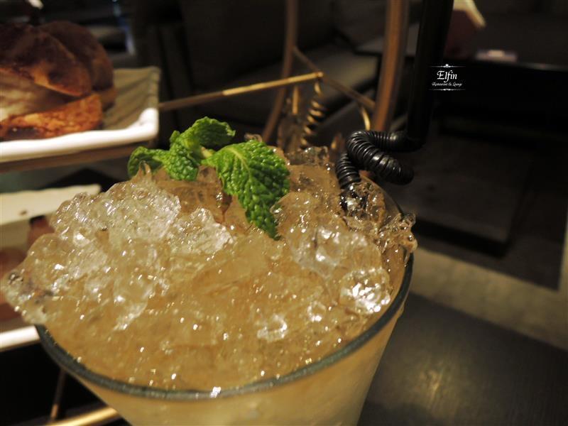 Elfin Restaurant & Lounge 069.jpg