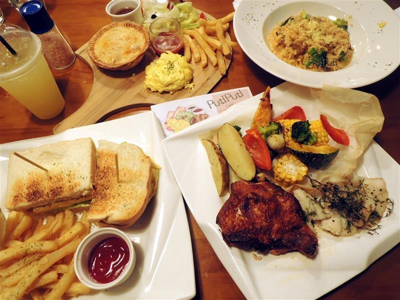 PutiPuti Café 045.jpg