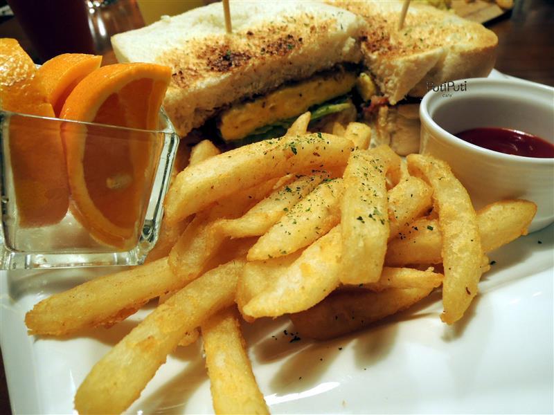 PutiPuti Café 048.jpg
