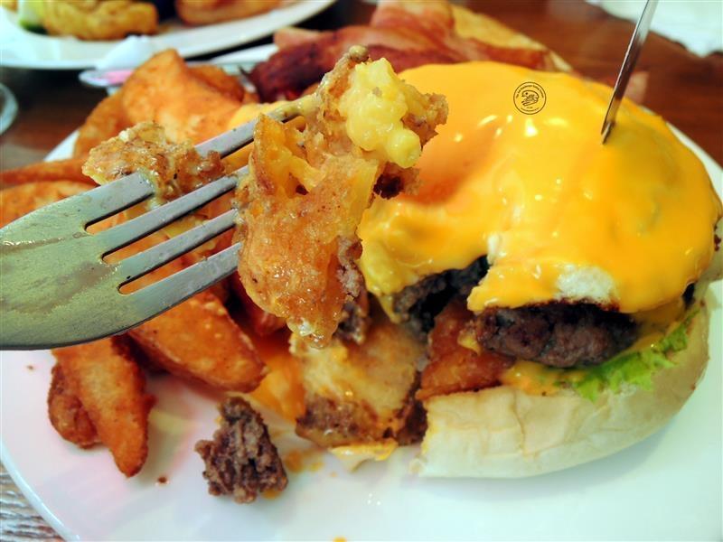 AN Burger 052.jpg