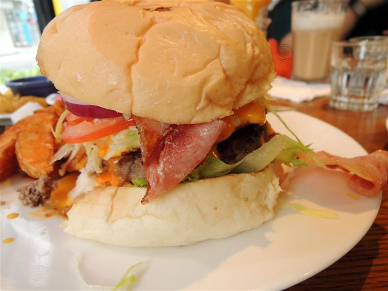 AN Burger 056.jpg
