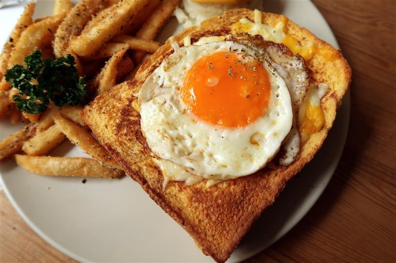 Toast Chat 044.jpg