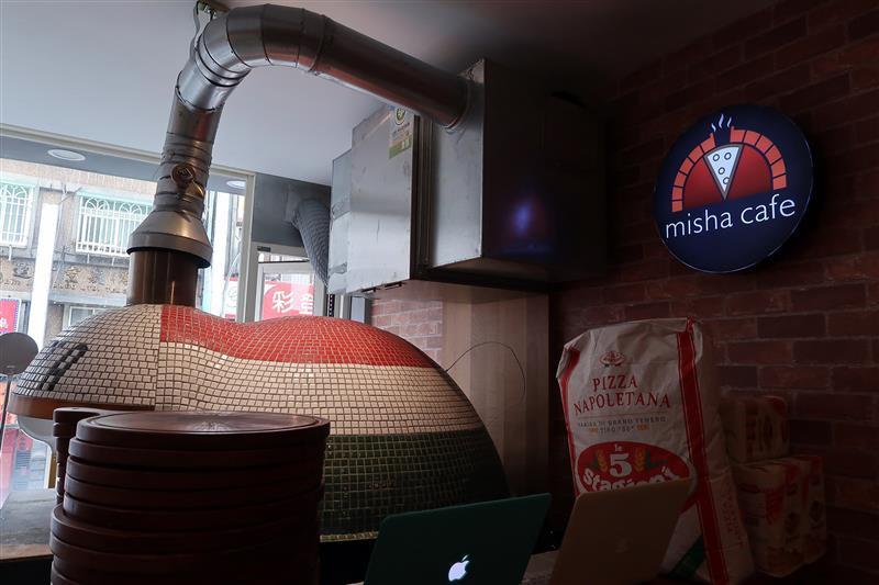 Misha Caffe X Pizzeria009.jpg