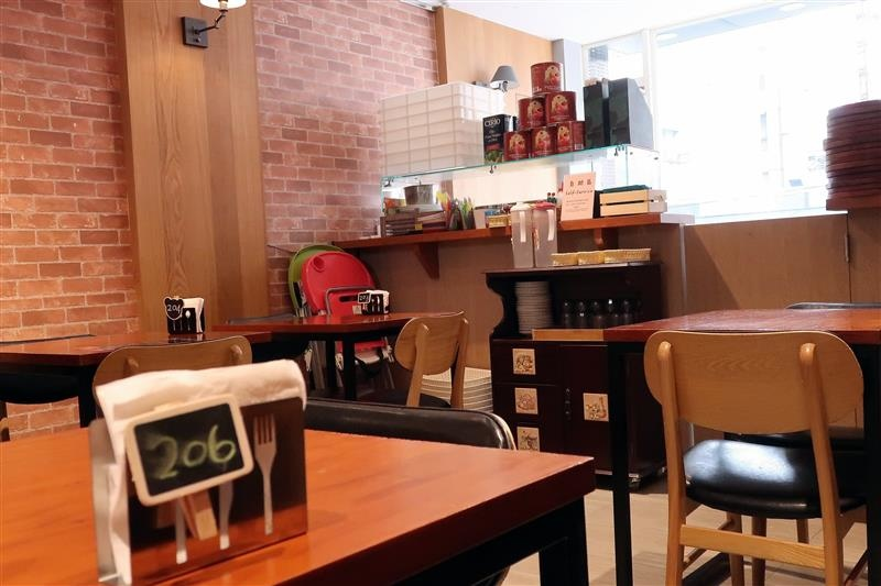 Misha Caffe X Pizzeria006.jpg