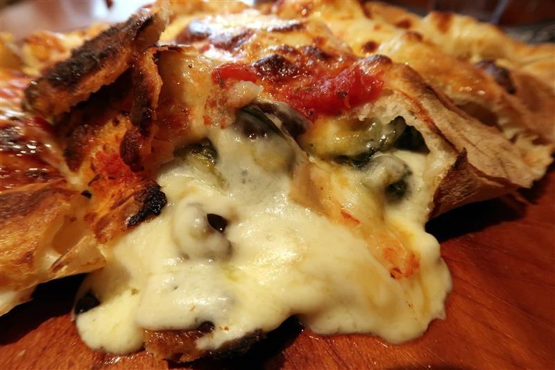 Misha Caffe X Pizzeria019.jpg
