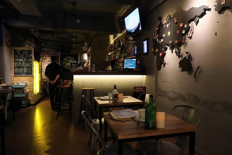 h&w restaurant and bar 002.jpg
