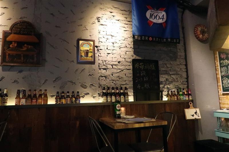 h&w restaurant and bar 005.jpg