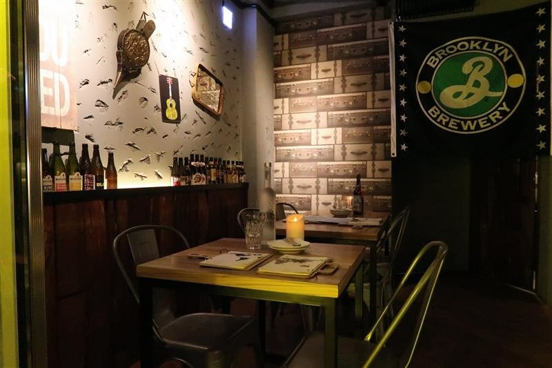 h&w restaurant and bar 007.jpg