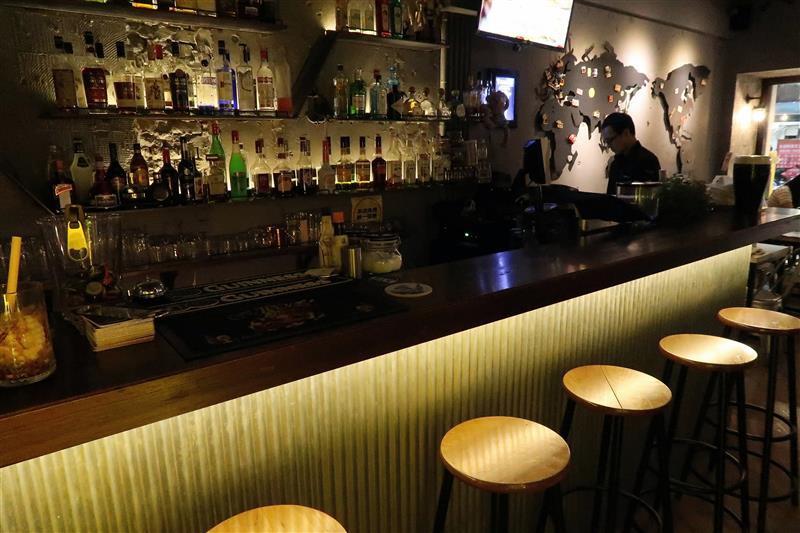 h&w restaurant and bar 015.jpg