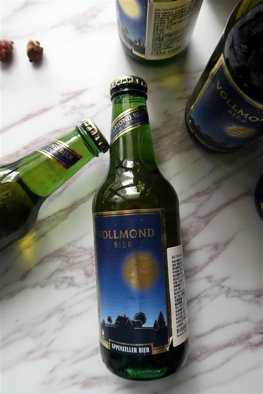 瑞士山泉啤酒 VOLLMOND 010.jpg
