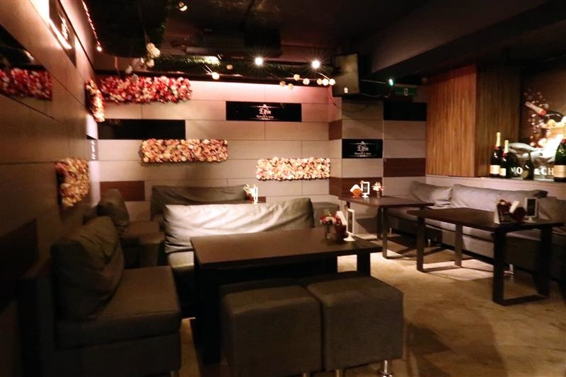 Elfin restaurant & lounge 002.jpg