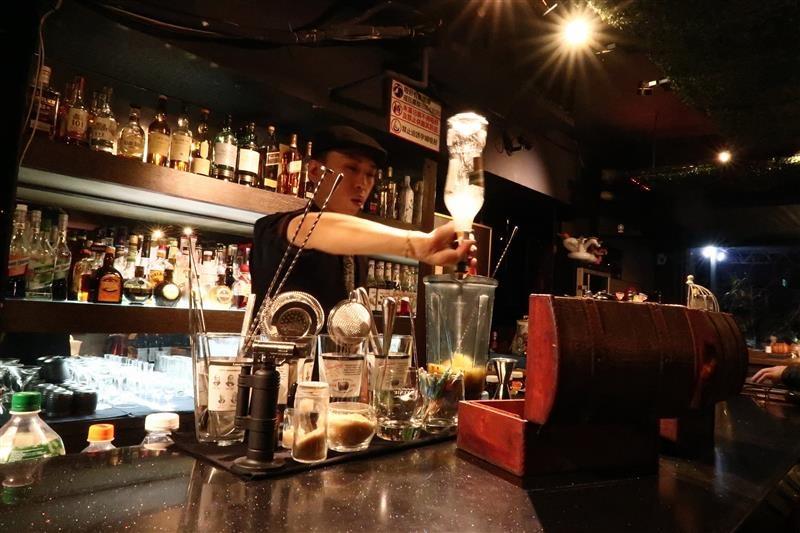Elfin restaurant & lounge 009.jpg
