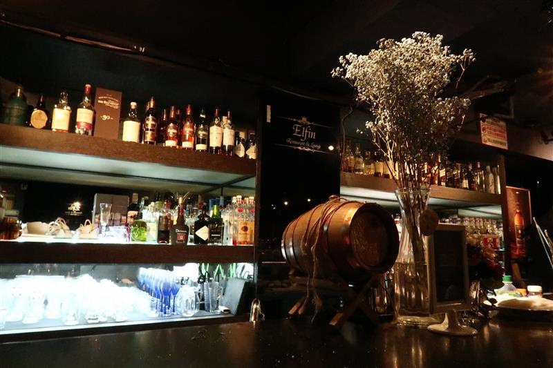 Elfin restaurant & lounge 012.jpg