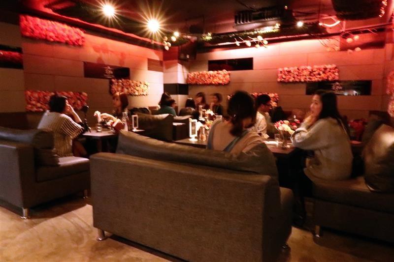 Elfin restaurant & lounge 074.jpg