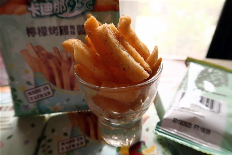 聯華食品卡迪那95℃薯條【北海道起司風味】&【檸檬烤雞風味】011.jpg