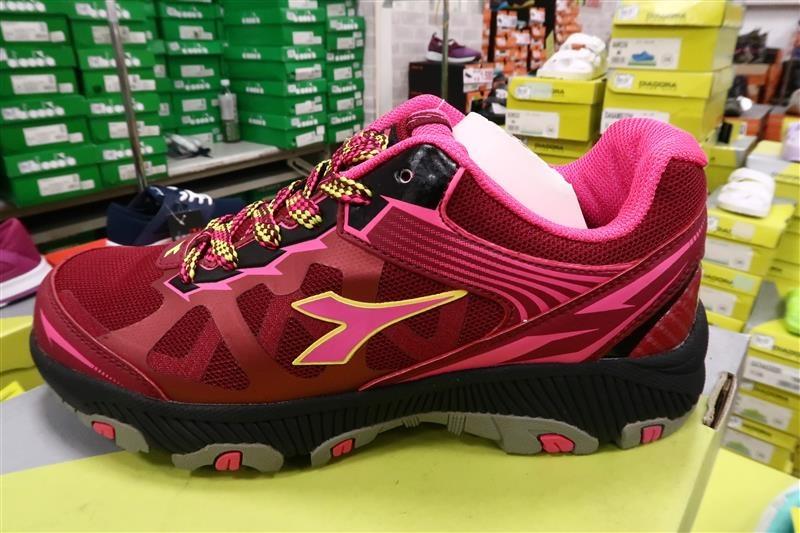 內湖球鞋拍賣  FILA童鞋 031.jpg
