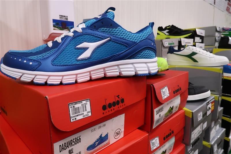 內湖球鞋拍賣  FILA童鞋 037.jpg