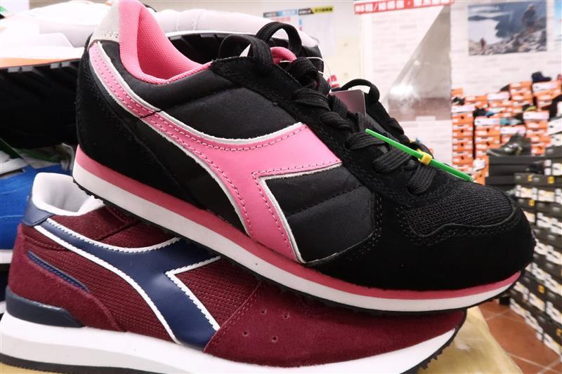 內湖球鞋拍賣  FILA童鞋 044.jpg