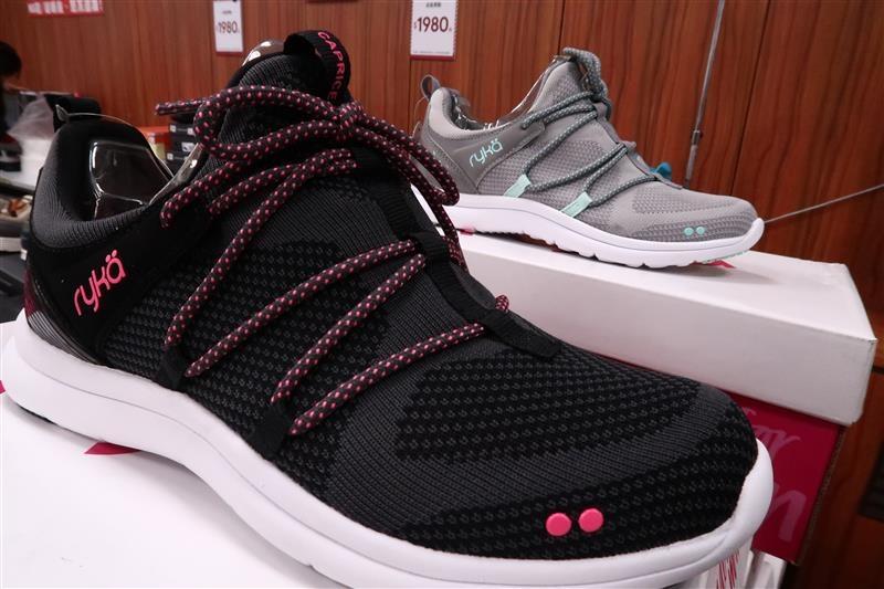 內湖球鞋拍賣  FILA童鞋 054.jpg