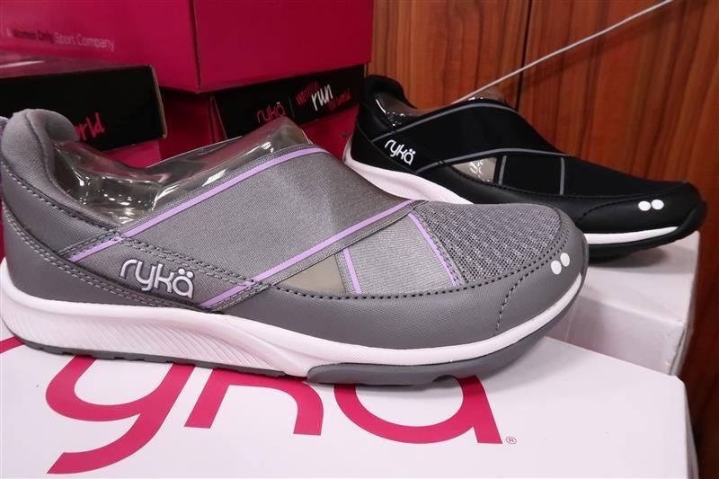 內湖球鞋拍賣  FILA童鞋 055.jpg