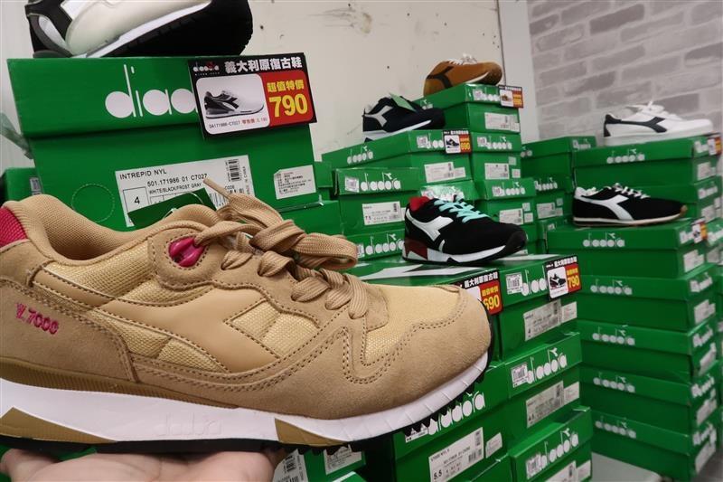 內湖球鞋拍賣  FILA童鞋 118.jpg