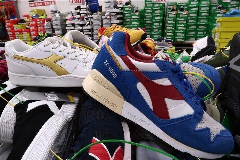 內湖球鞋拍賣  FILA童鞋 134.jpg