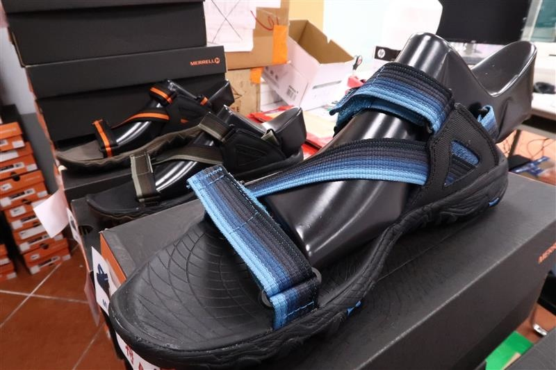 內湖球鞋拍賣  FILA童鞋 141.jpg