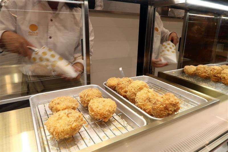 微風南山 排隊炸肉餅 006.jpg