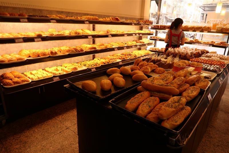 鴻達麵包 001.jpg