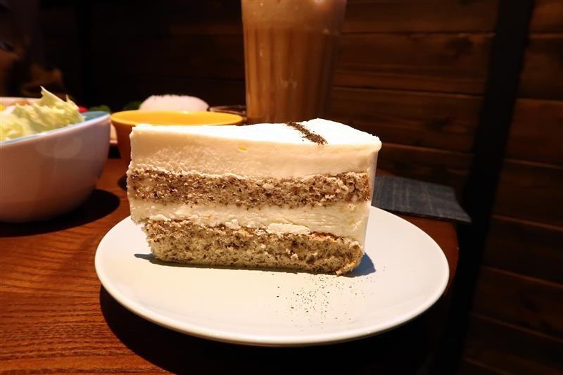 O.L.O CAFE 039.jpg