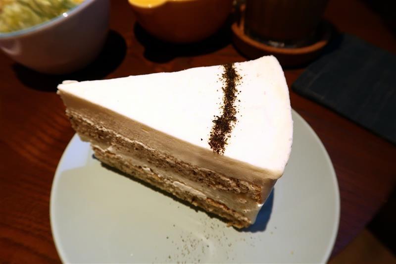 O.L.O CAFE 040.jpg